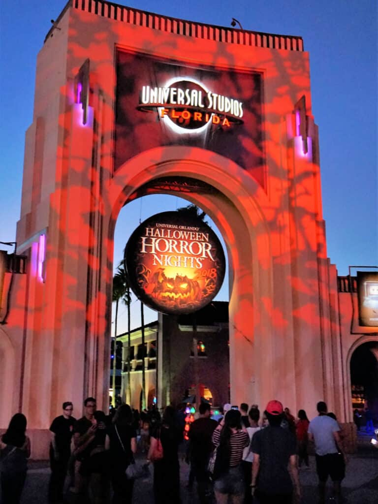 Halloween Horror Nights sign