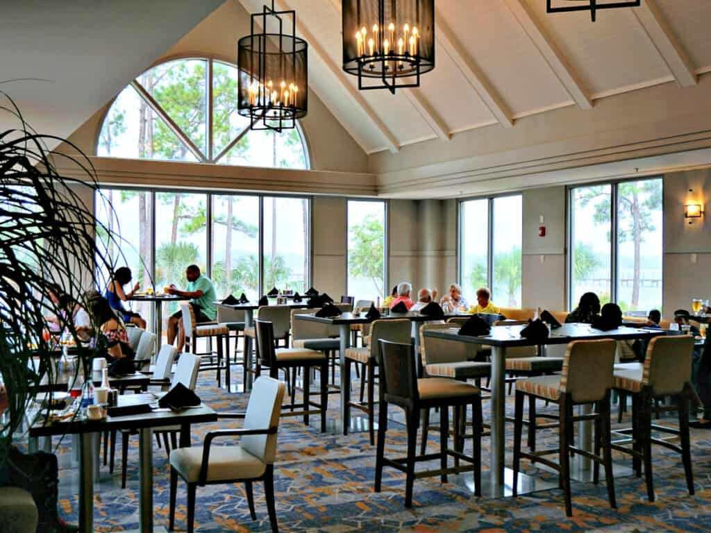 Tides Restaurant dining area