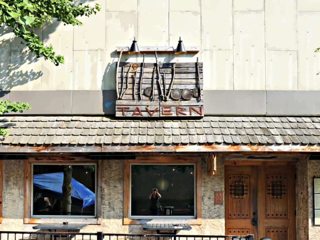 Wildwood Tavern sign