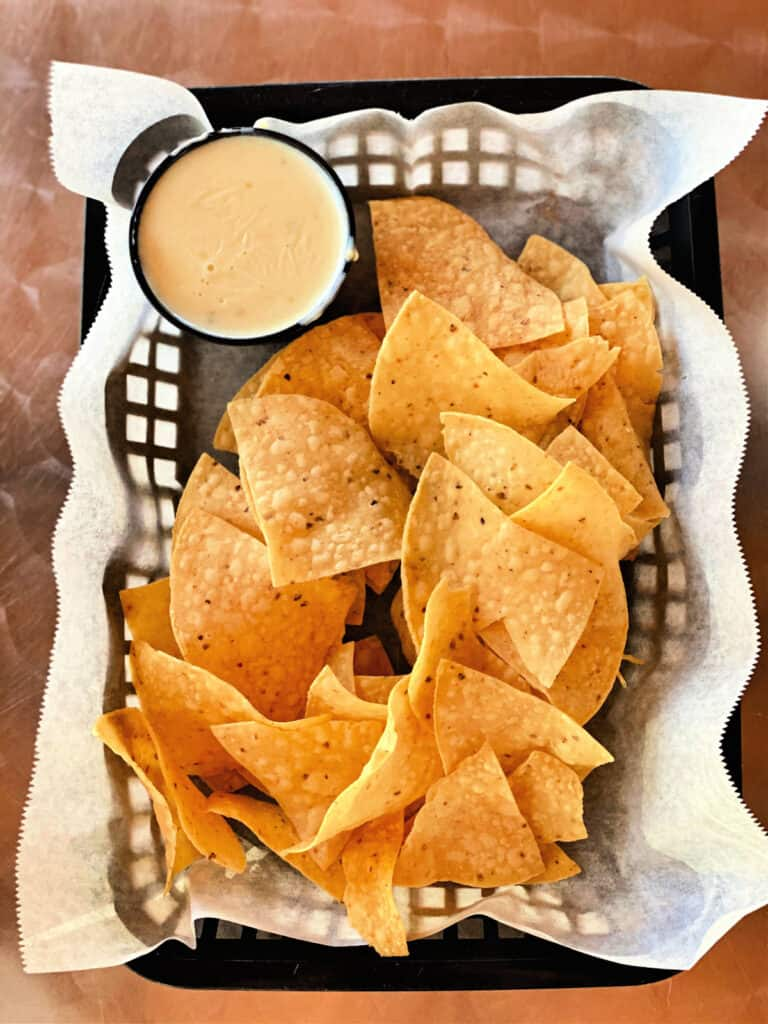 chips and cheese dip