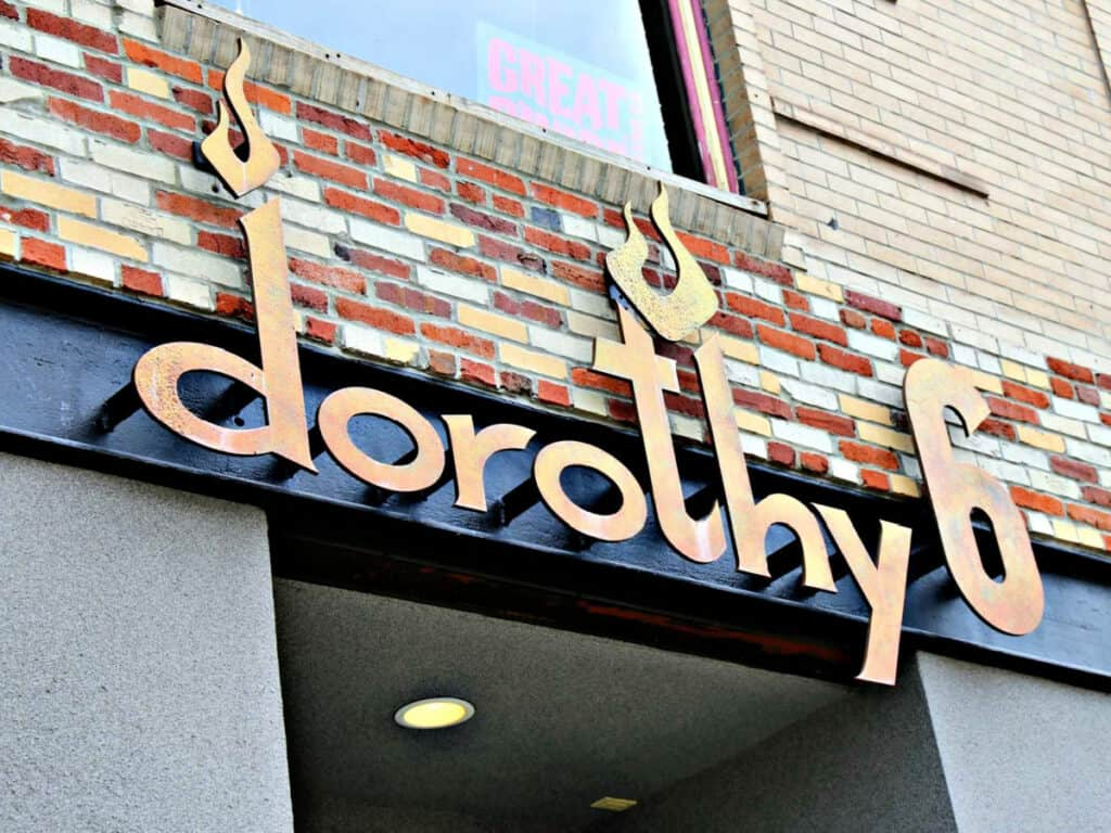 Dorothy 6 sign