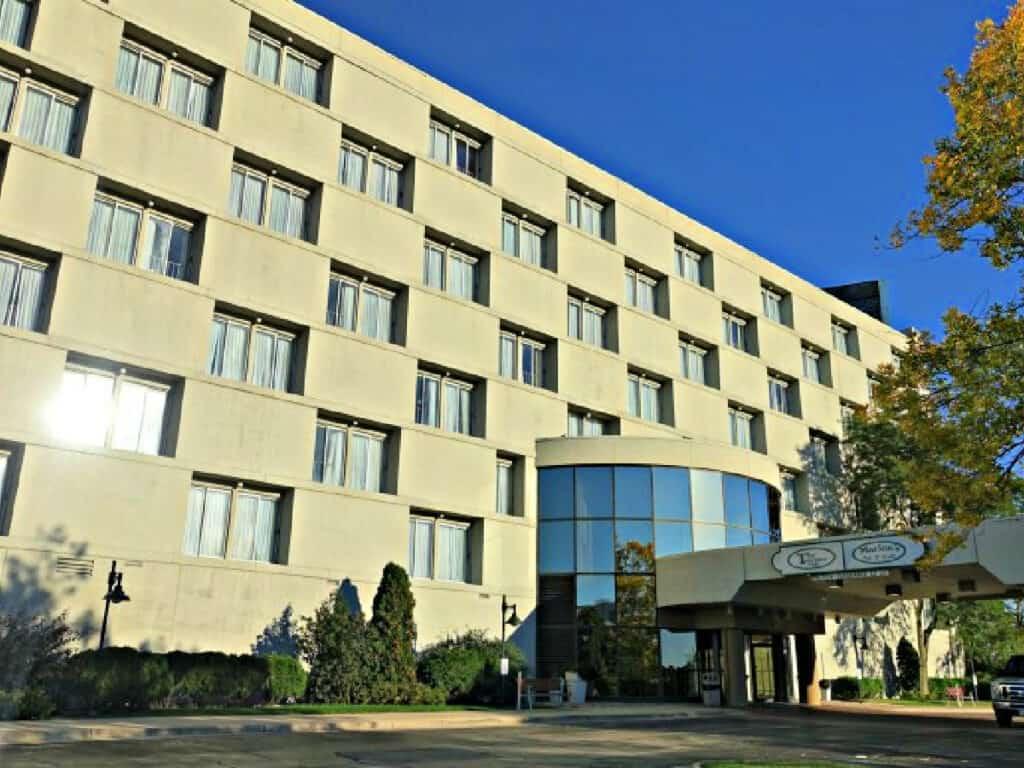 Holiday Inn building