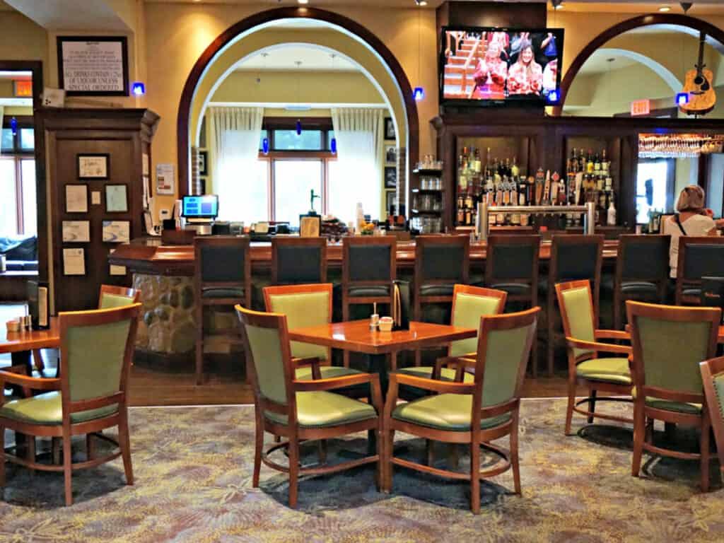 Swampers restaurant dining area