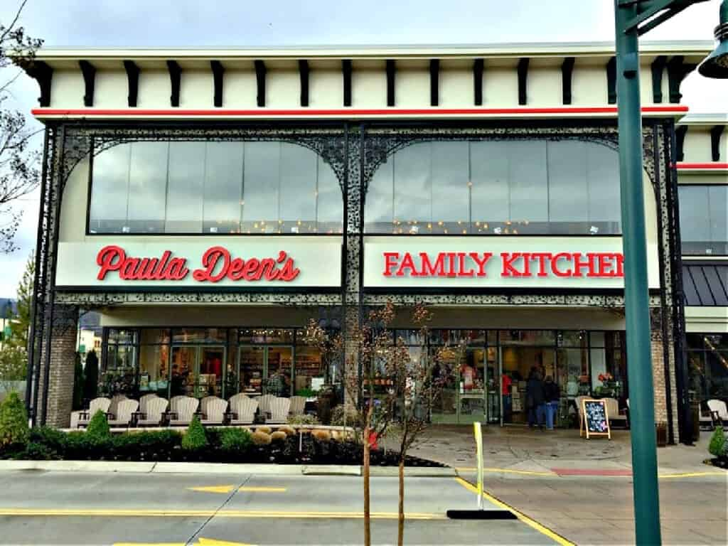 entrance to Paula Deen's Family Kitchen in Pigeon Forge