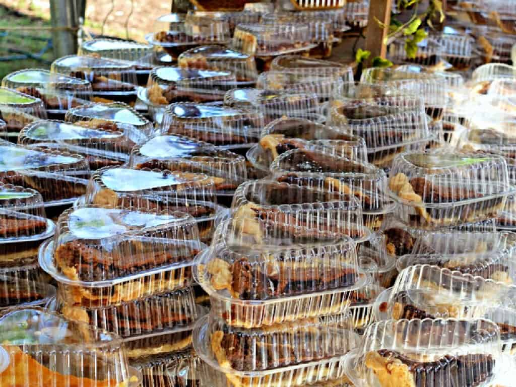 slices of pecan pie