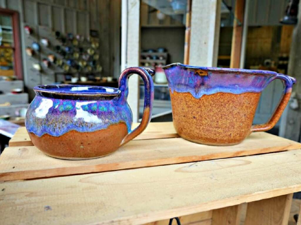 blue and brown pottery