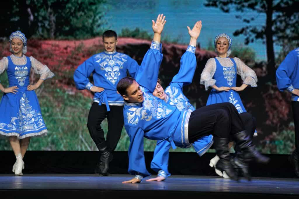 Siberian dancers on stage