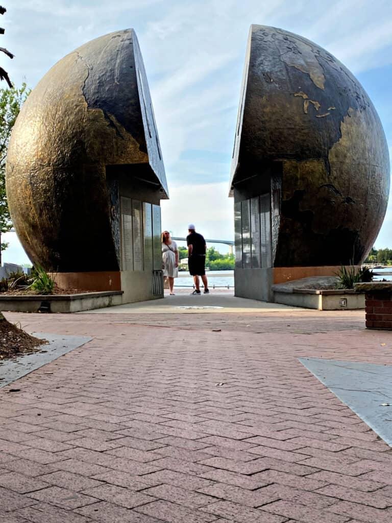 Globe memorial