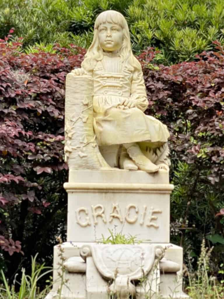 Gracie Watson statue