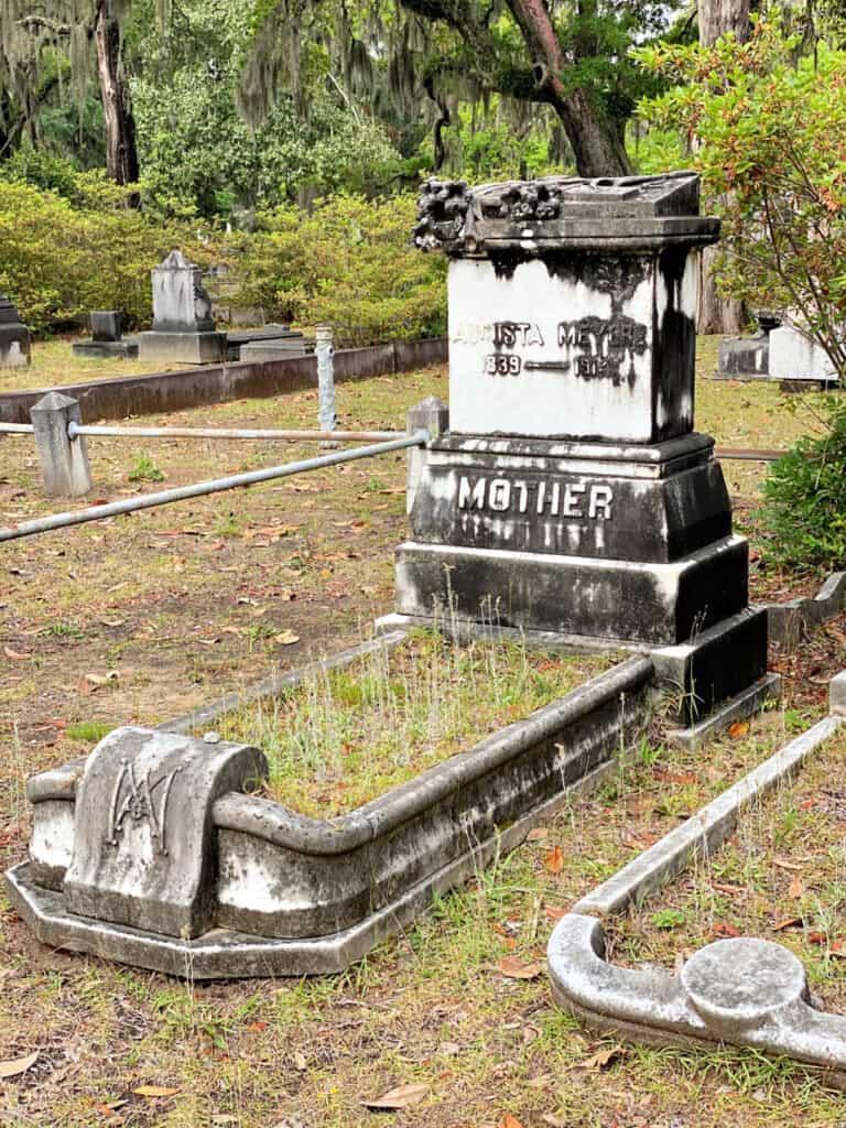 Augusta Meyers grave